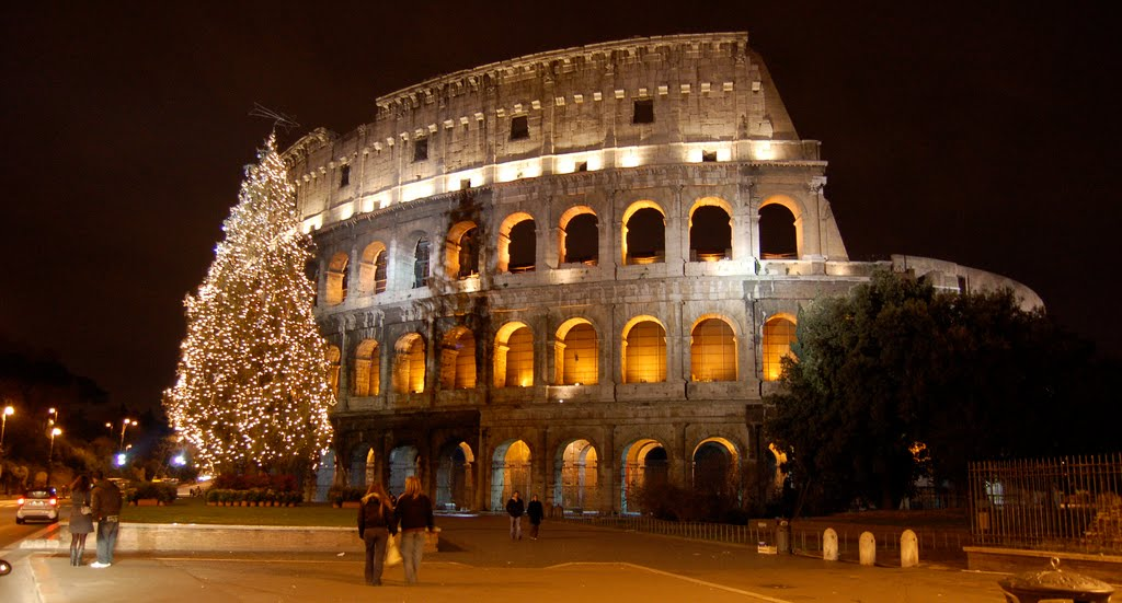 The_Colosseum_during_Christmas2